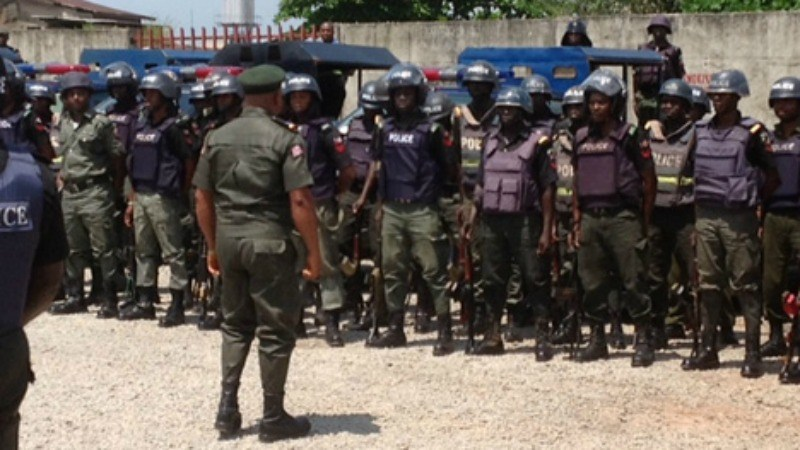 Photo of Check Point:   Four Policemen Dismissed for Dispossessing, Sharing   Businessman's  350,000CFA