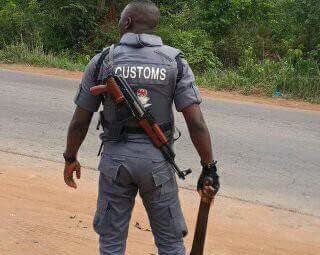 Photo of Checkpoint Tragedy: Customs Detains Four Officers over Death of Innocent Nigerian